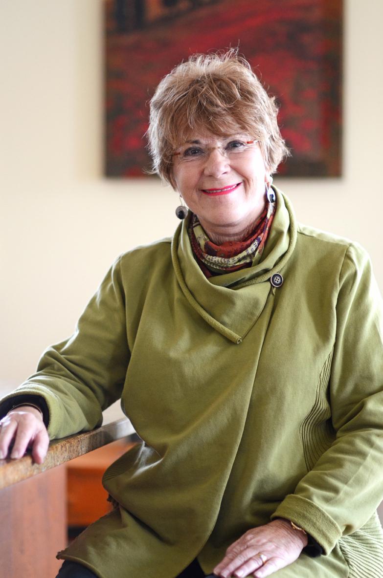 Nancy_Helm_Estabrooks_author_photo